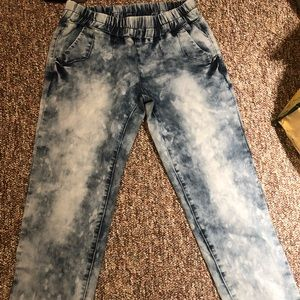 Adjustable waist band acid wash pants